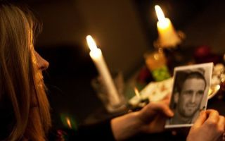 Заговор на любовь по фото — 3 сильных магических ритуала