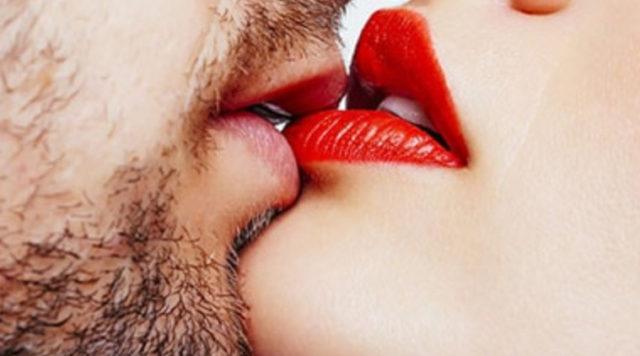 Сонник незнакомец целует в губы